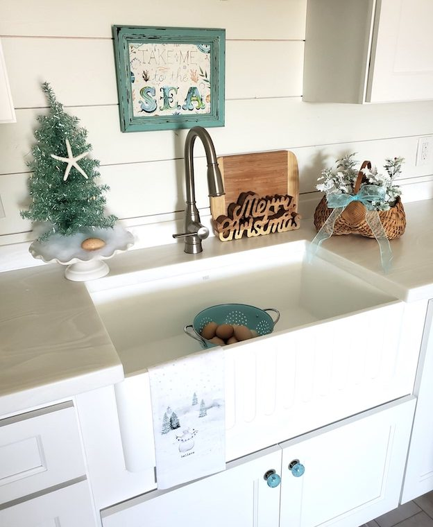 Apron Sink Christmas Kitchen Display